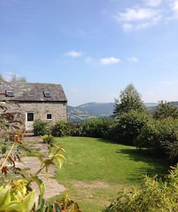 Charming cottage in a stunning location - Glyn Ceiriog