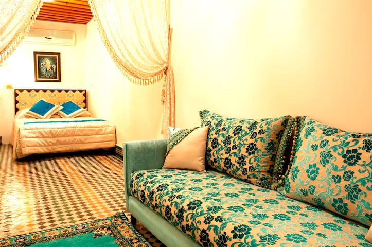 The Lavande Room