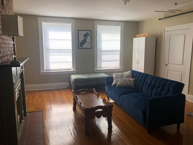 2 bedroom apartment in Downtown Troy!