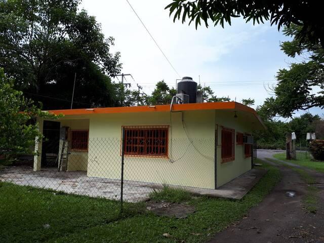 """Casa """"El Paraíso"""""""