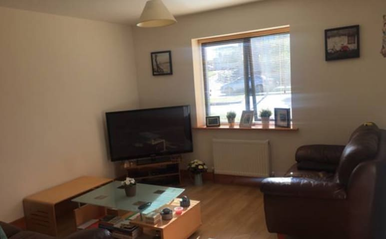 Spacious 2 Bed Apartment in Blackrock