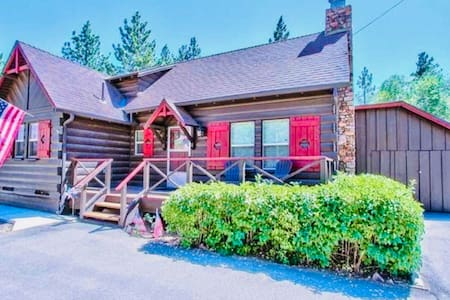 Rexford's Retreat~ R&R with STYLE and Comfort.