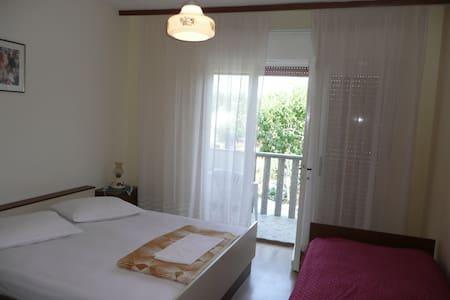 Classic apartment in Supetarska Draga - Supetarska Draga - Lakás