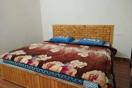 Peaceful Dalhousie Double Deluxe room