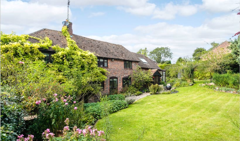 Four Bedroom House in Charming English Countryside - Eastbury