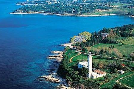 Lighthouse Savudrija - Bašanija - Majakka