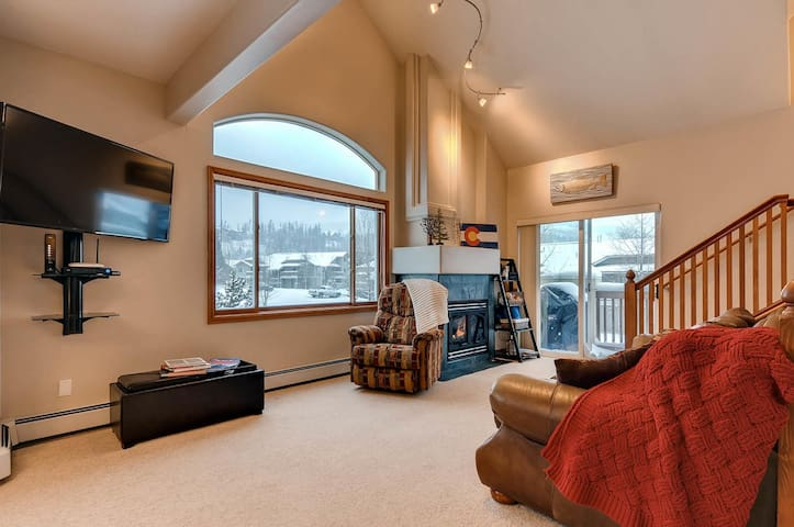 NEWLY RENOVATED. Awesome location-great amenities. - Frisco - Selveierleilighet