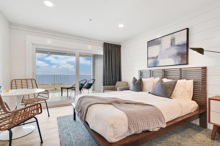 Restful Beachfront Getaway - Room 3