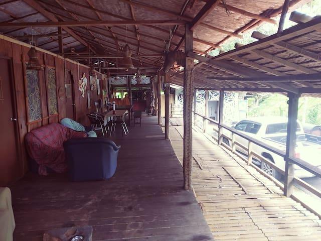 Lan E' Tuyang Homestay- twin room (near Tondong)