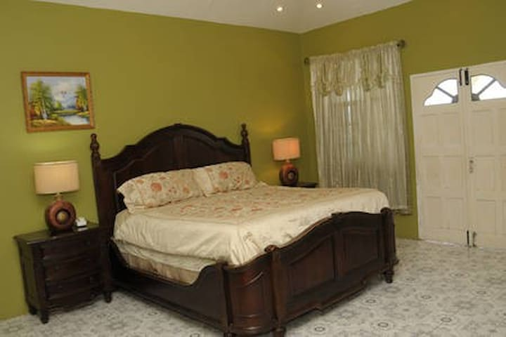 Orchard Garden View Guest House RM# 4 - Hopewell - Appartamento
