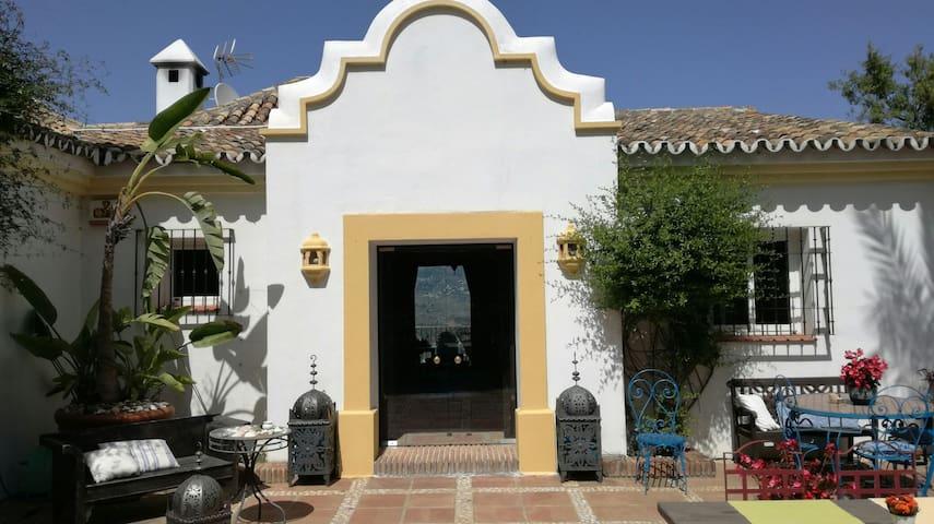 Casa El Aguila, 1001 nights