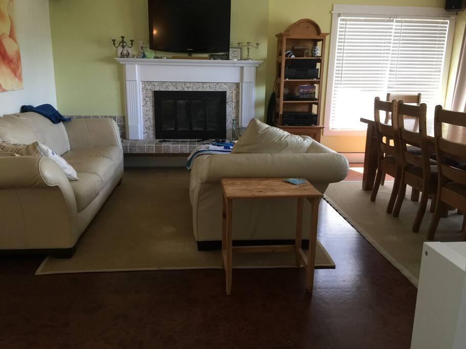 Cherry Suite living room