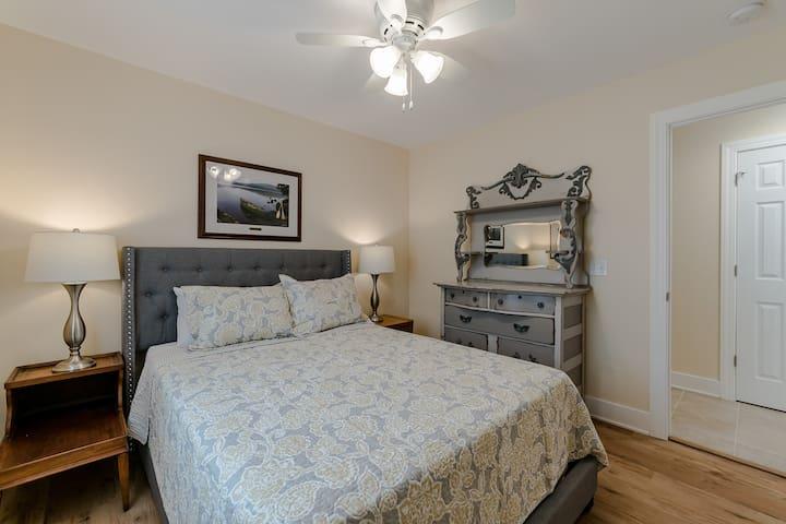 Queen bedroom 3, with dresser (Bedroom 3 of 7)