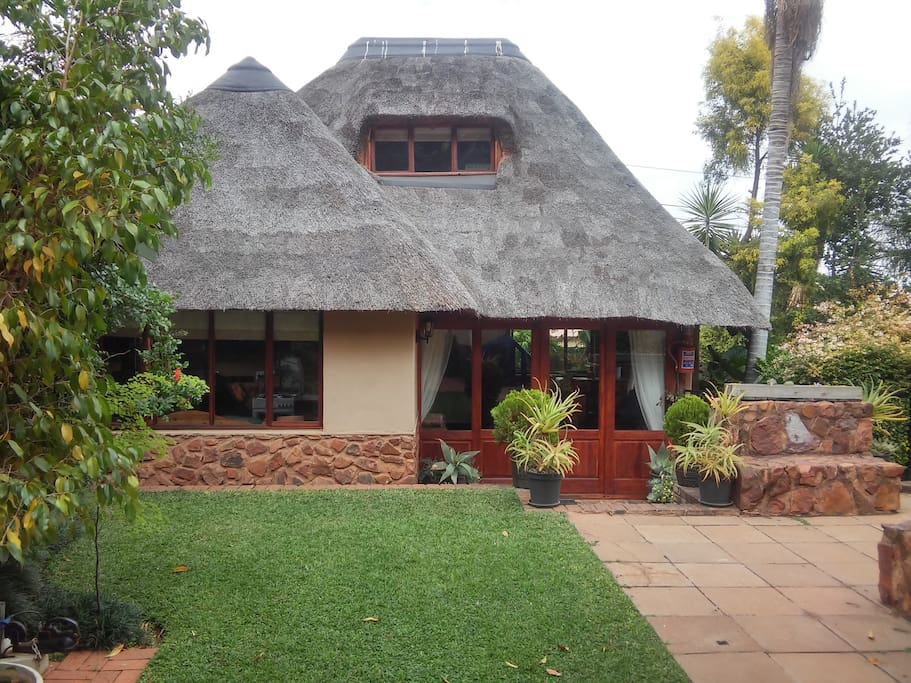 Ibis Thatch Cottage Chalets For Rent In Pretoria
