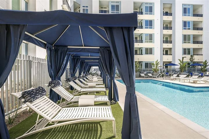 Deluxe Condo near Disney & Convention Ctr 2BR/2BA