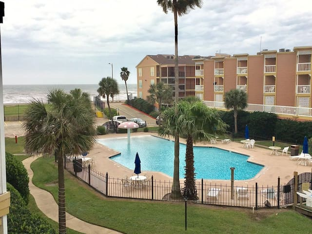 Amazing Beach Condo.  It's Cozy, Clean and Chic! - Galveston - Appartement en résidence