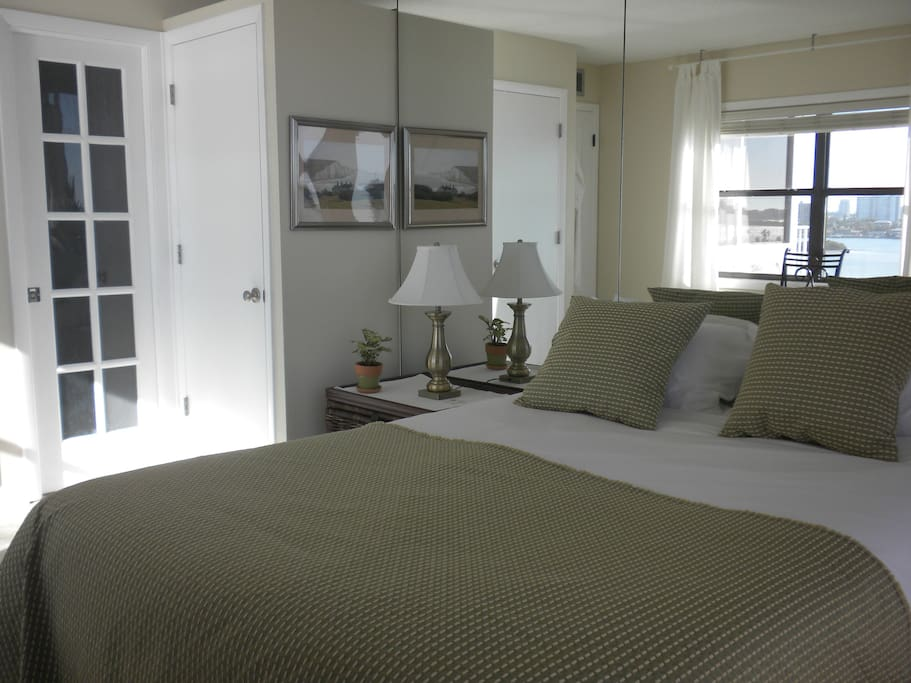 Ocean View Bedroom Own Bathroom In Cool Condo Apartments For Rent In Clearwater Florida