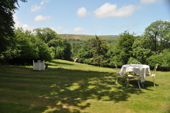 Luxury  B&B with Fantastic Views , near Chagford