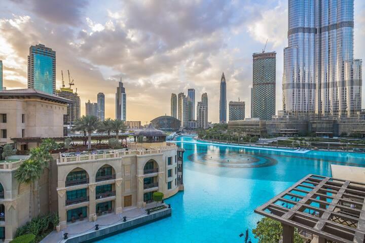 Dancing Fountain I Burj Khalifa View Souk Al Bahar