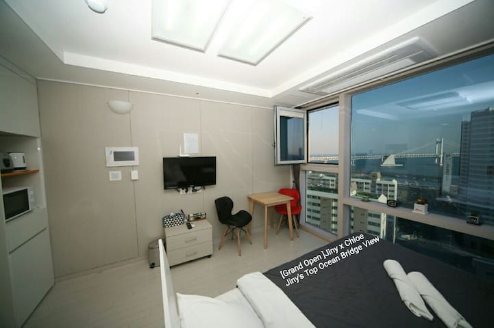 Jiny's Top Ocean Bridge View Room - 부산광역시 - Apartamento
