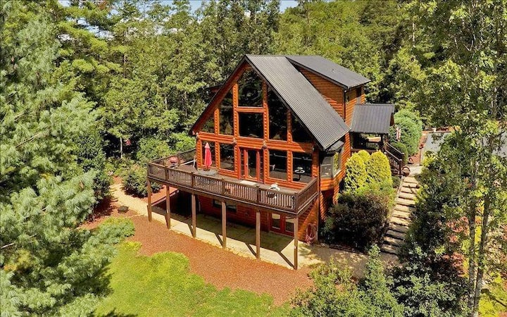 Beautiful 2-Bdrm Bed n Breakfast w/ Sauna & Spa