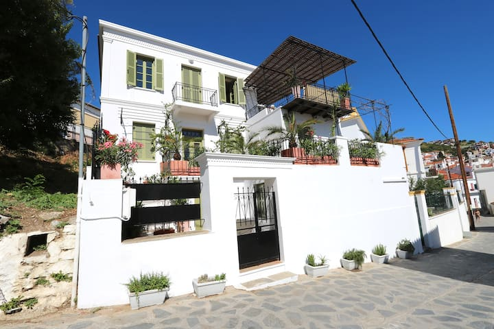 1920's finely restored mansion in Skopelos town