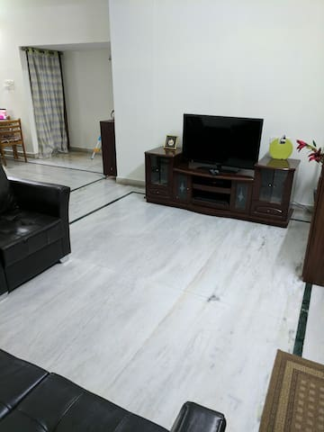 Feel @ home in city center (Himayatnagar). - Hyderabad - Apartamento