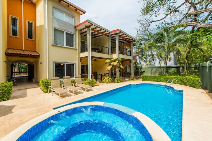 Potrero, Pool, Patio, 2-Minute-Walk to Beach!