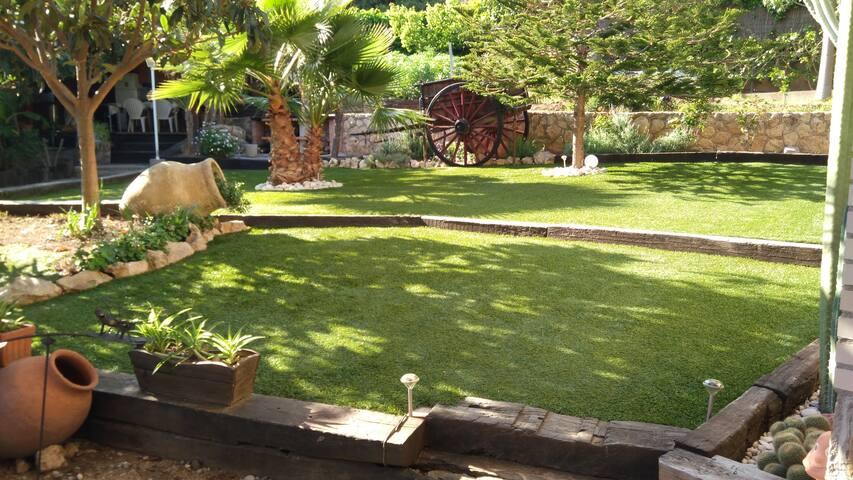 Apartamento con jardín. Cerca de Playa Larga - Таррагона - Шале