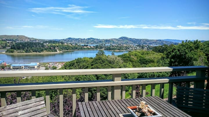Modern Bay View Townhouse in Sausalito