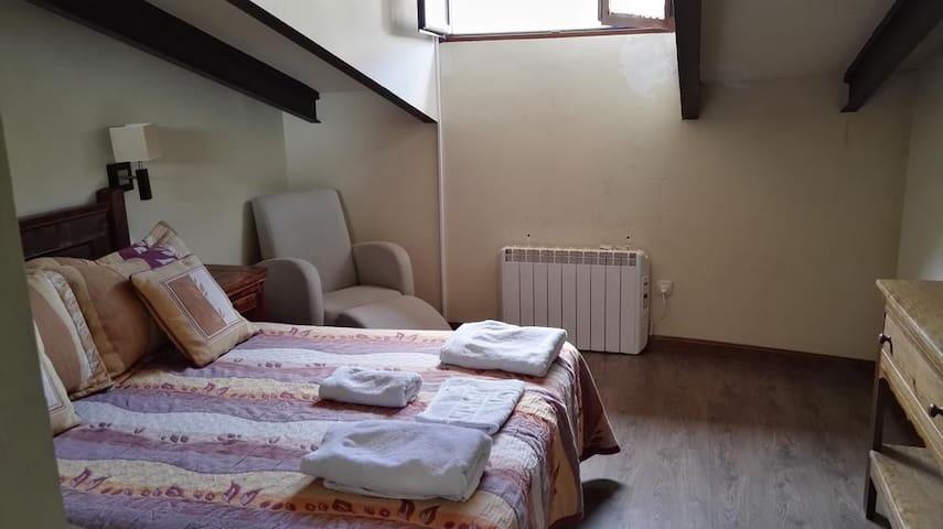 Habitación en Hospedería - Triple