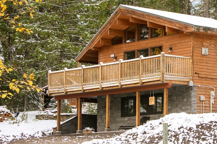 The perfect Fernie cabin rental, homeFARaway