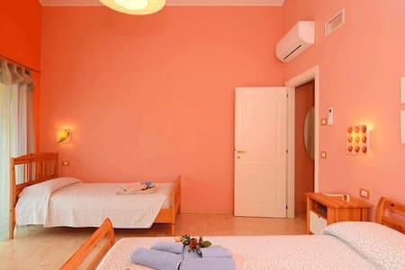 B&BRosatea, una delle nostre stanze - Monteforte d'Alpone - บ้าน