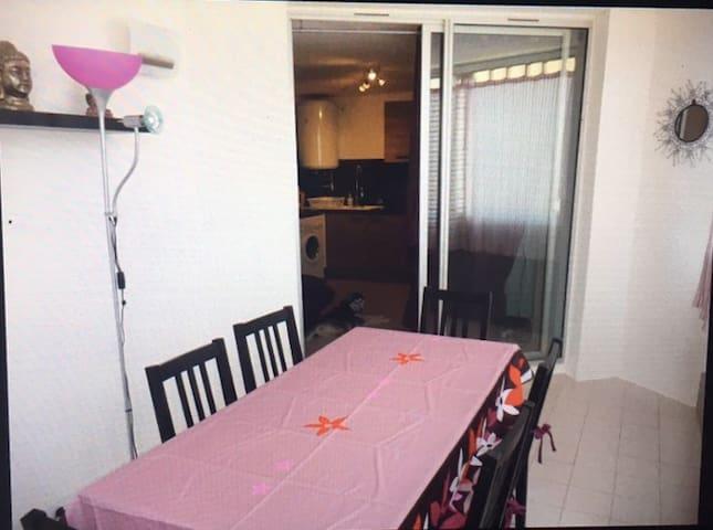 Joli appartement à 50m du centre-ville et plage