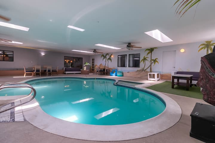 Luxury House 6 Bedroom Indoor pool