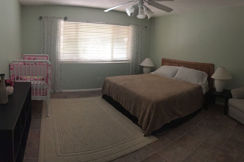 1th Master Bedroom -Separate