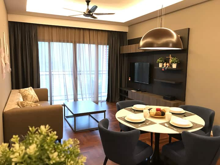 HOMELIVE V18 @ VISTA LUXURY SUITE 2BR (FREE WIFI)