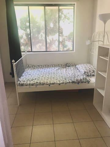 Cosy confortable bedroom@Cabramatta train station
