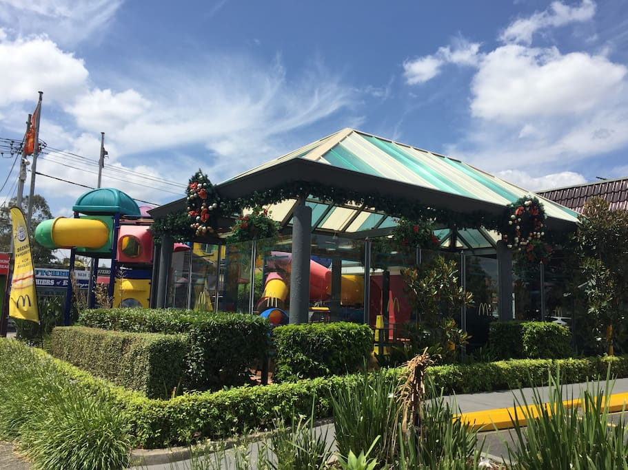 The apartment is next to the Balwyn McDonald's located on the main street of Balwyn. There is a range of shops including cafe, restaurants, pharmacy, Woolworth's supermarket, banks etc.