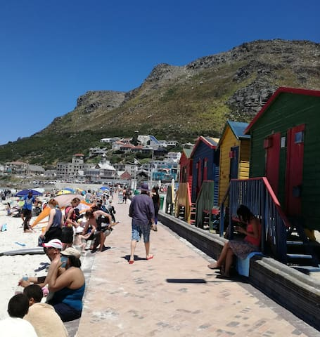 MUIZENBERG VILLAGE - SELF-CATERING GARDEN  FLATLET - Kaapstad - Appartement