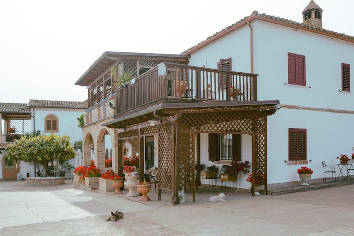 Relax nel verde - Country House San Pietro B&B