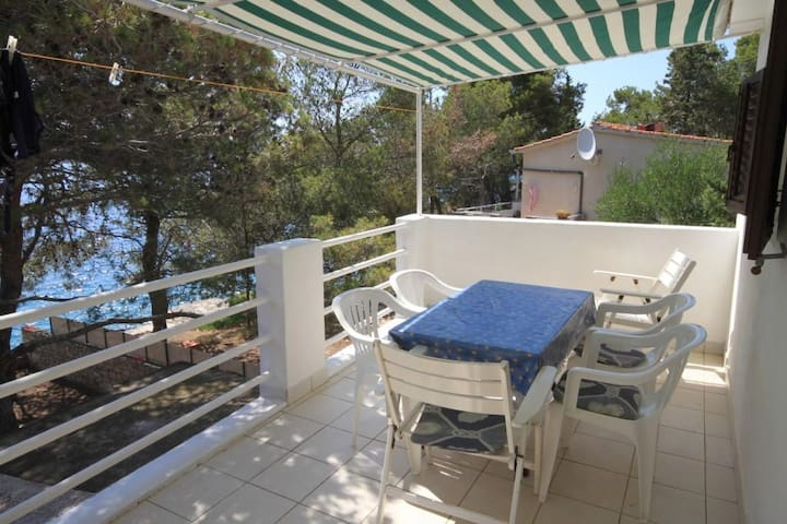 Three bedroom apartment near beach Lavdara (Dugi otok) (A-3454-a)