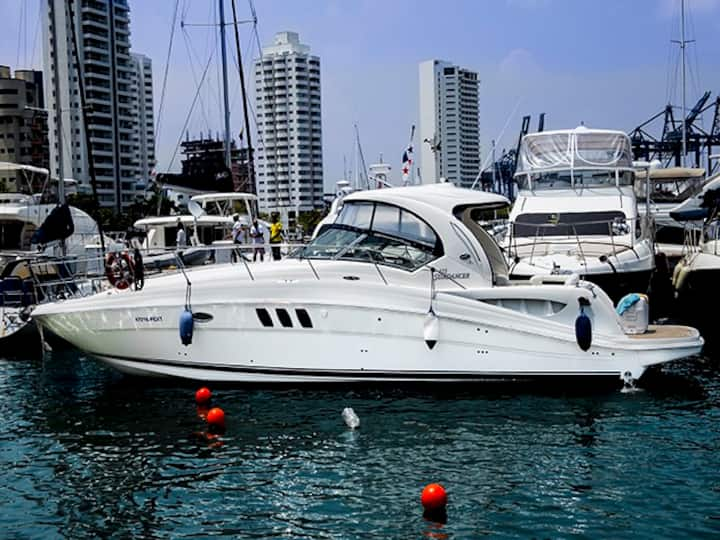 42.5ft Sea Ray Cruiser - Rent a Boat for a day!