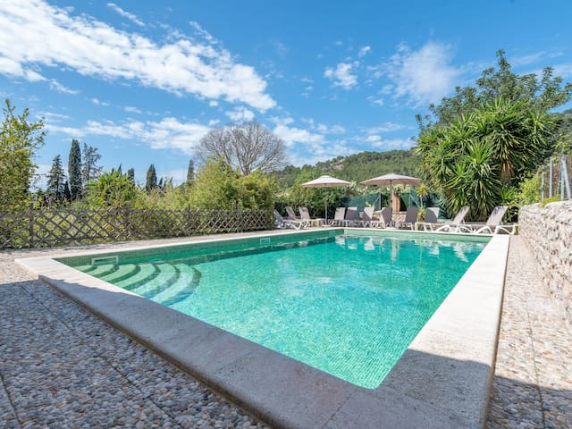 Can Posteta - Finca with mountain view and pool