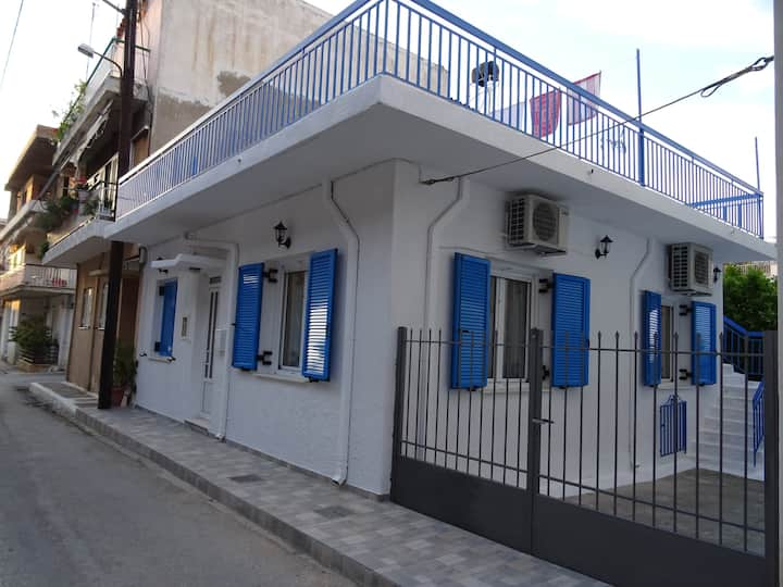 Lovely house in Patras close port