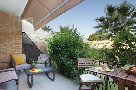 Sunny bungalow with views nearby Carihuela beach