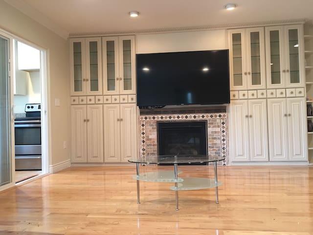 Large  one bedroom suite near Santa Clara