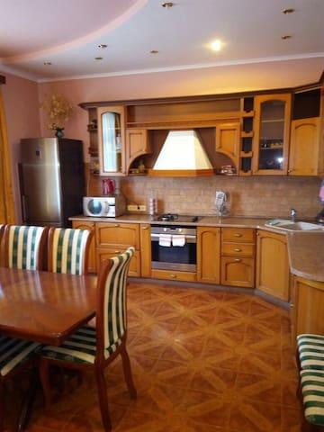 Этаж в гостевом доме - Sochi - Maison