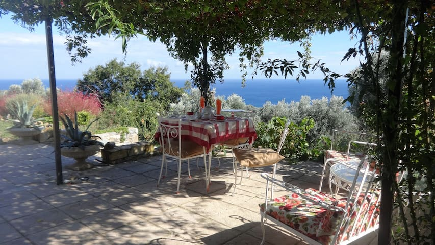 VILLA IOYLIA country house with unlimitted  view - Enoria