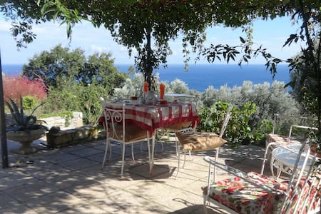 VILLA IOYLIA country house with unlimitted  view - Enoria - Villa